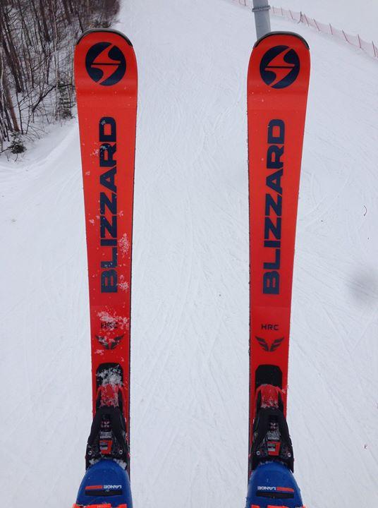 Des skis de 2020 dis...