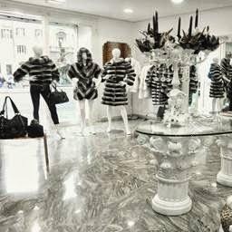 size 40 71401 11724 Abbigliamento Negozio Roma Alta Moda Pelliccerie - Local ...