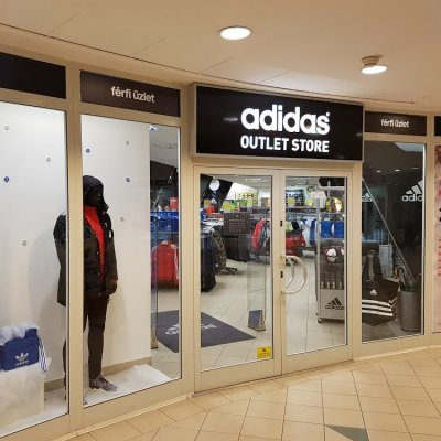 adidas Outlet Store Budapest Boráros tér 92aabe59cb