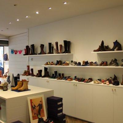Schoenenwinkel Kinderschoenen.Schoenenwinkel Negozio Oostende Kinderschoenen Charlie Local Tourmake